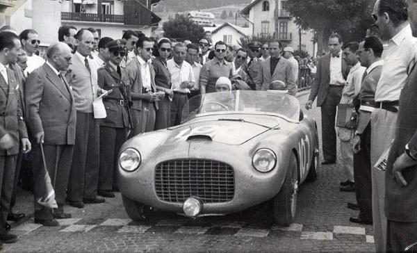 Carro Ferrari precio