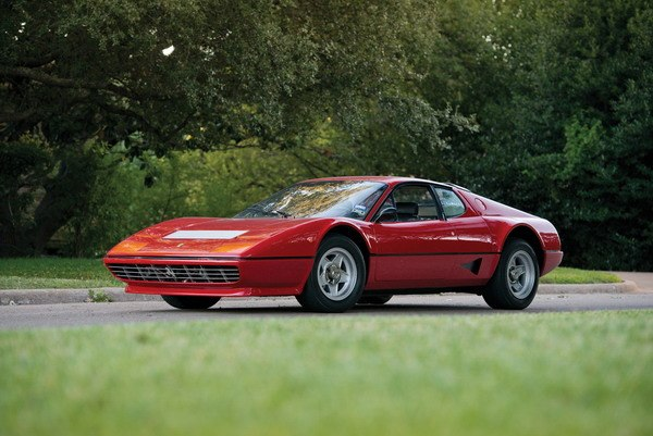 Carros Ferrari